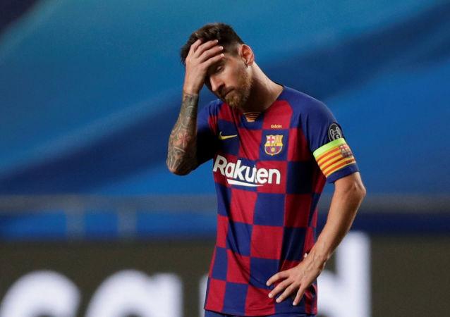 Капитан Барселоны Лионель Месси в четвертьфинальном матче Лиги чемпионов УЕФА против Баварии (14 августа 2020). Лиссабон