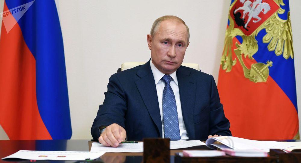 پوتین پیشنهاد ساخت پایگاه کشتیهای هستهای روسیه در افریقا را پذیرفت