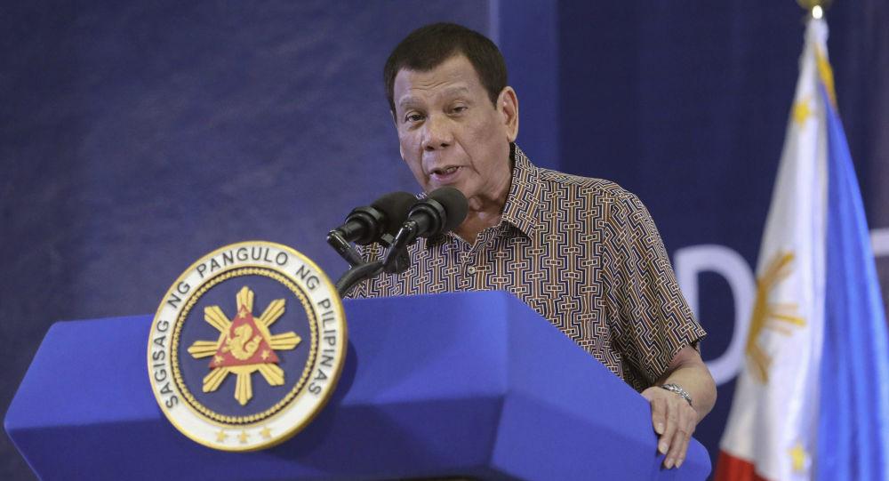 رئیس جمهور فیلیپین به مردم: یا واکسین یا زندان