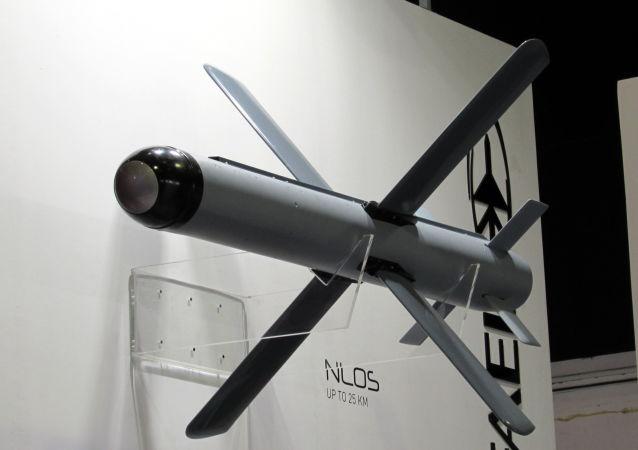 استفاده از راکت های ساخت در اسرائیل در جنگ قره باغ توسط آذربایجان + ویدیو