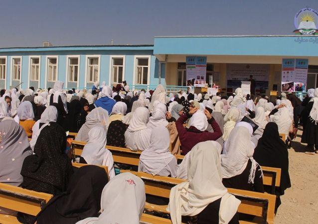 طالبان: دختران به زودی به مکتب ها باز می گردند