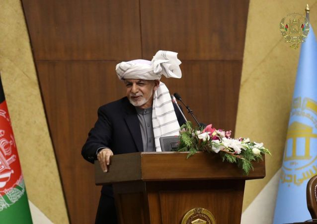 هشدار غنی به تقرریهای سلیقهیی در وزارت مالیه