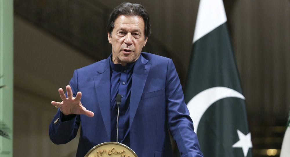 عمران خان: دولت طالبان را باید تقویت و تثبیت کنیم