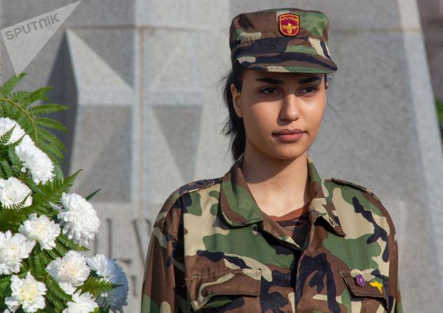Военный пантеон Ераблур в День армянской армии (28 января 2020). Еревaн