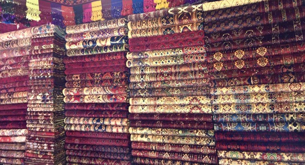 هشدار بازرگانان صادرات قالین در پی مسدود شدن دهلیزهای هوایی