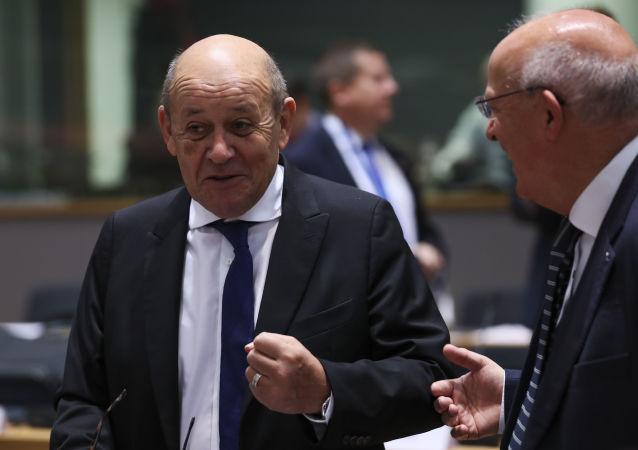 وزیر خارجۀ فرانسه: امریکا نباید از افغانستان شود