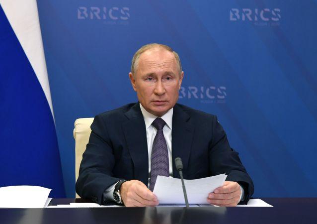 روسیه آمادگی خود را برای تمدید پیمان استارت نو با امریکا اعلام کرد