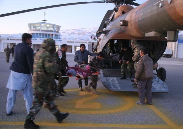زخمیان انفجارهای بامیان به کابل انتقال یافتند