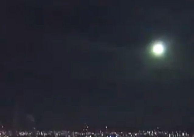 پرواز شهابسنگ درخشان بر فراز جاپان، شکار کامره شد + ویدیو