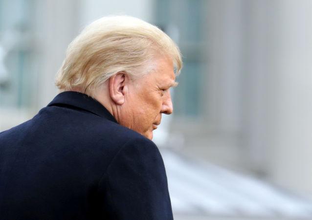 ترامپ ممنوعیت صدور گرین کارت را تمدید کرد