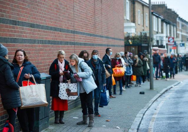 کمبود واکسین ضد کرونا در بریتانیا