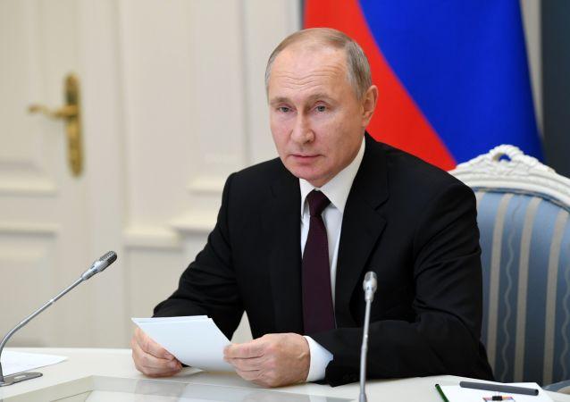 پوتین وضعیت فعلی جهان را با دهه 30 قرن گذشته مقایسه کرد