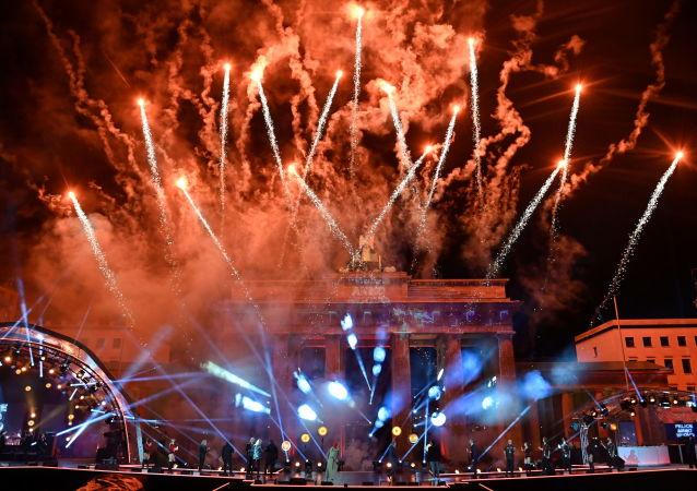 آتشبازی به مناسبت سال نو 2021 میلادی در برلین