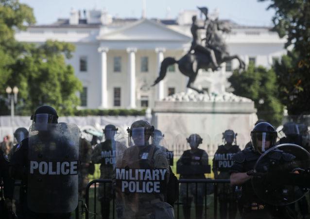 آمادگی گارد ملی امریکا برای رویارویی با خشونت طرفداران ترامپ