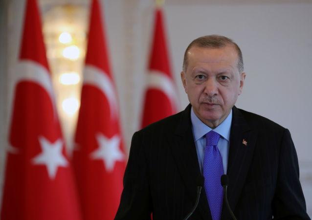 اردوغان: ناتو ترکیه را با تروریست ها تنها رها کرد