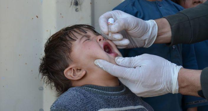 کارزار سراسری واکسیناسیون پولیو در افغانستان/ طالبان این بار ممانعت ندارند