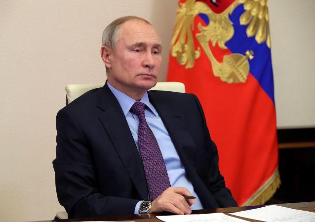 پوتین پیمان استارت جدید را به مدت پنج سال تمدید کرد