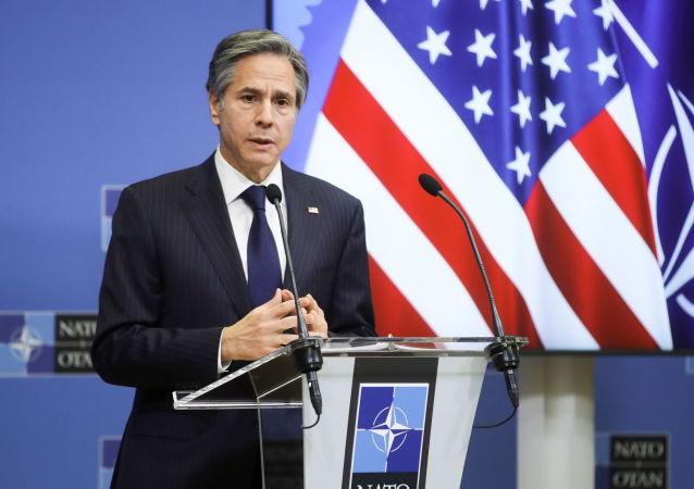 رایزنی وزیر خارجه امریکا با مقامات ازبکستان و تاجیکستان در بارۀ افغانستان