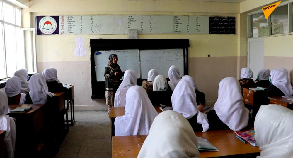 واکنش جبهه مقاومت درباره عدم بازگشایی مکتب های دختران از سوی طالبان