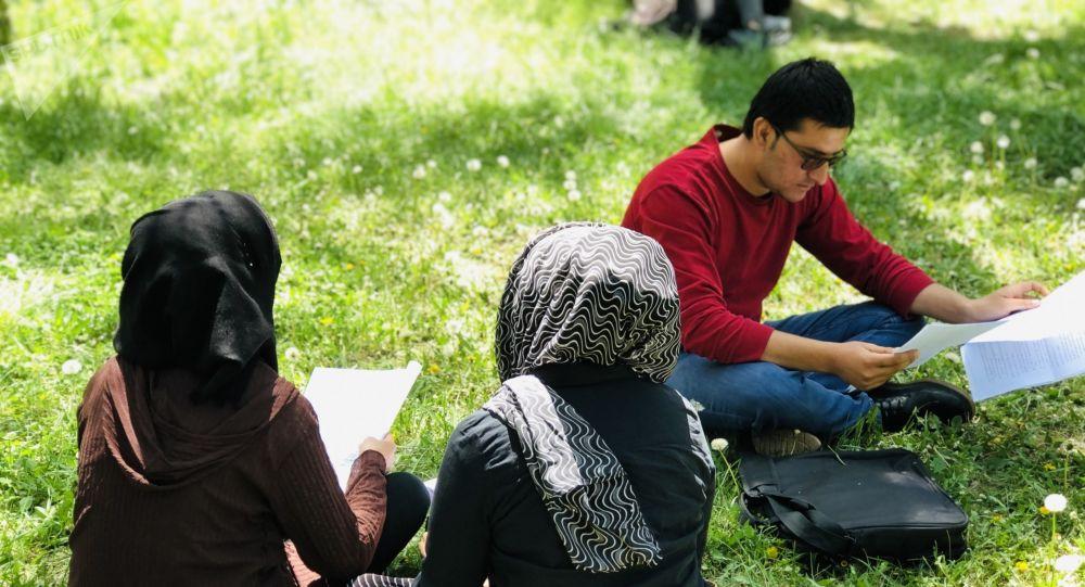 طرح طالبان برای جلوگیری از اختلاط دانشجویان دختر و پسر در دانشگاه ه