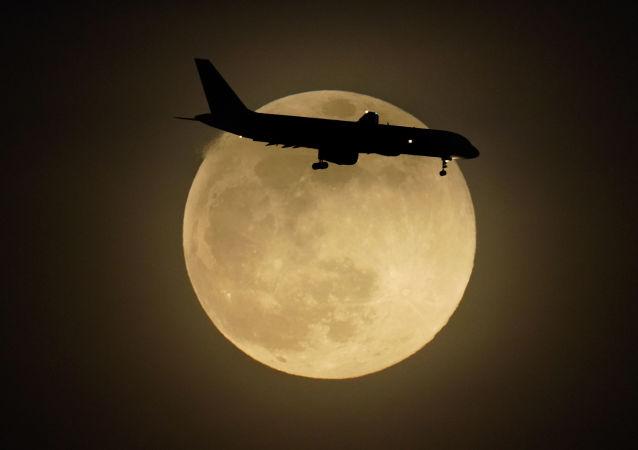 هواپیمای هیات روسی به دلیل بایدن مجبور شد یک ساعت بالای سوئیس دور بزند