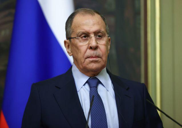 صلح افغانستان؛ روسیه مخالف ایران و هند در ترویکا توسعهیافته نیست
