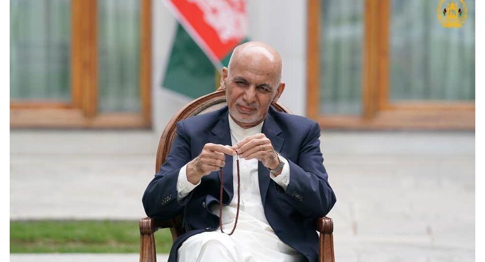 طالبان خواستار بازگرداندن پولی که اشرف غنی با خود برده شد