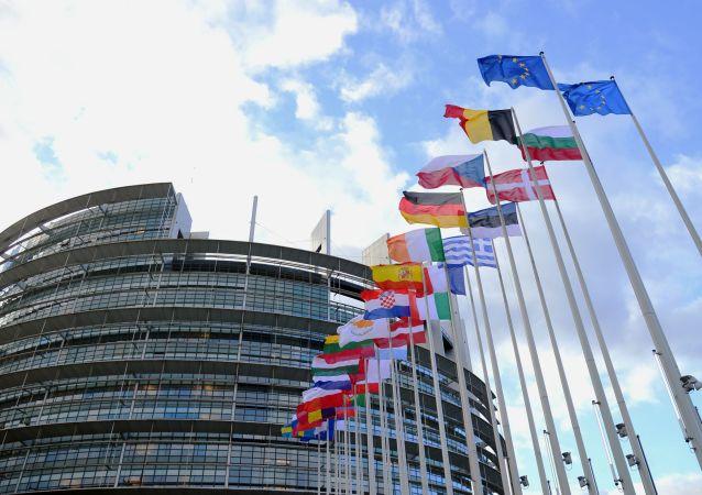اتحادیه اروپا در صورت به قدرت رسیدن طالبان از راه نظامی کمکهای خود را قطع خواهد کرد