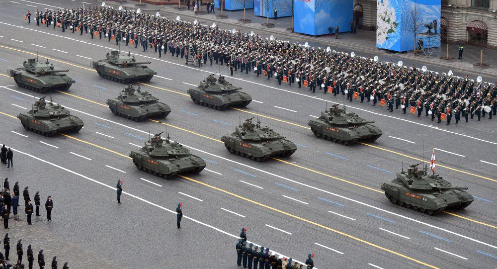 پنچ اسلحه برتر روسیه که در رژه نظامی نمایش داده شد
