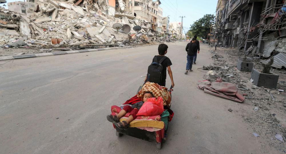 مصر برای انتقال زخمیان و جان باختگان از غزه آمبولانس می فرستد