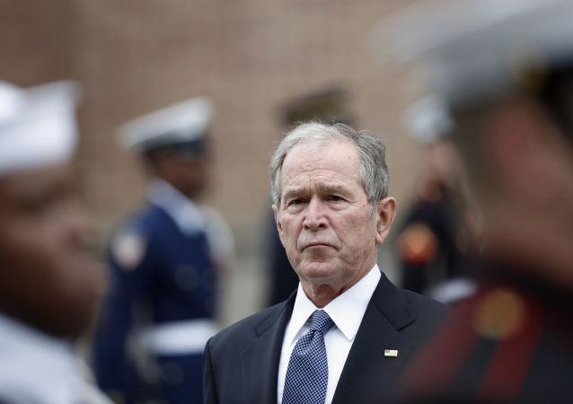 جورج بوش: خروج نیروهای امریکایی از افغانستان اشتباه است