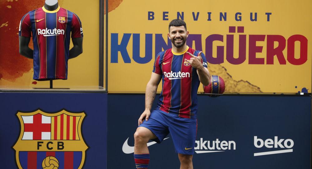 المهاجم الأرجنتيني المخضرم سيرخيو أغويرو، لاعب فريق برشلونة الإسباني الجديد