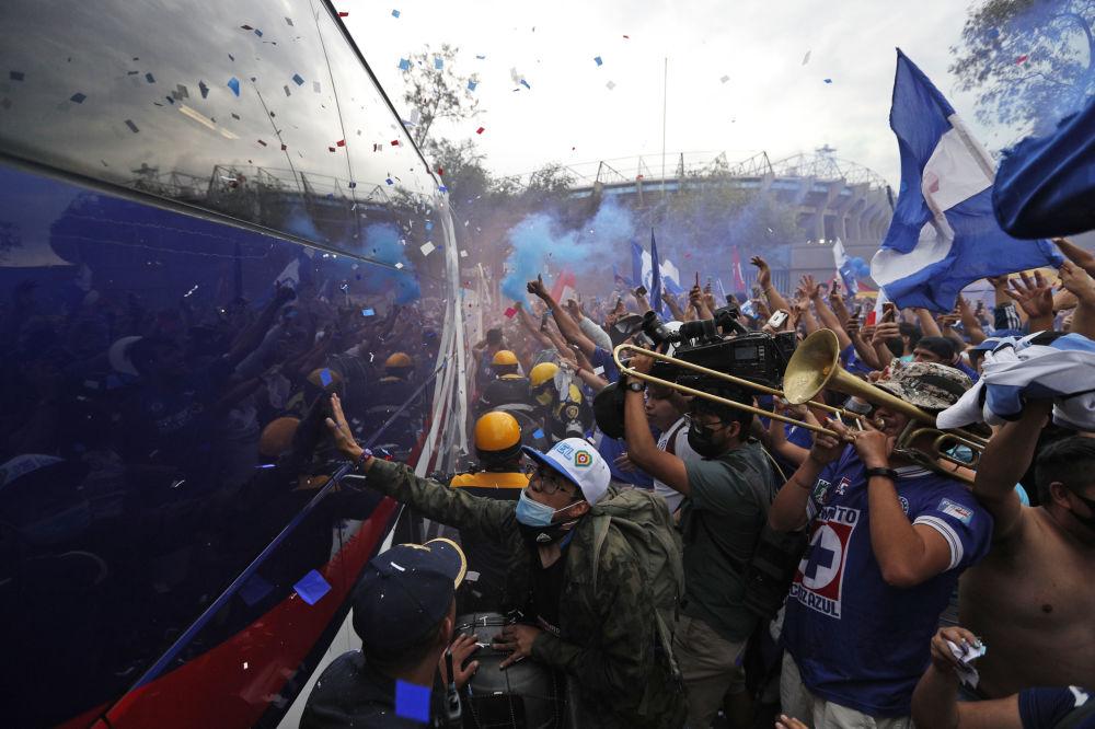 طرفداران تیم مکزیکی در مسابقات ساکر