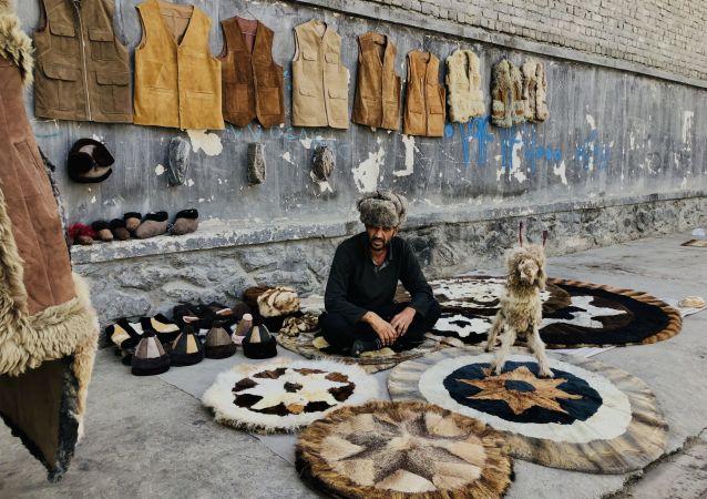 صنایع دستی (پشم) در جادههای کابل