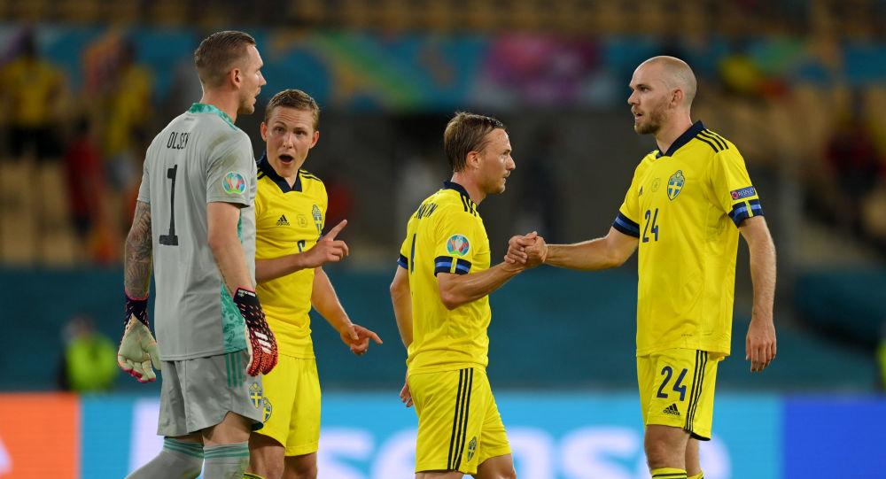 Sweden's Marcus Danielson celebrate with teammates after the match Spain v Sweden, La Cartuja, Seville, Spain, June 14, 2021