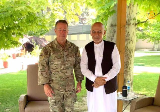 رئیس جمهور غنی با هیأت ایالات متحده امریکا دیدار کرد