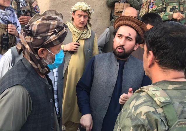 عبدالله بیک نماینده تخار در مجلس نمایندگان در درگیری با طالبان زخمی شد