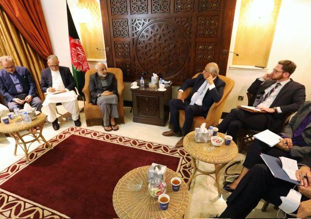 دیدار هیات گفتگو کننده دولت افغانستان با خلیلزاد
