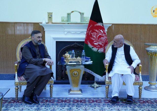 دیدار رئیس جمهور غنی با عطامحمد نور در بلخ