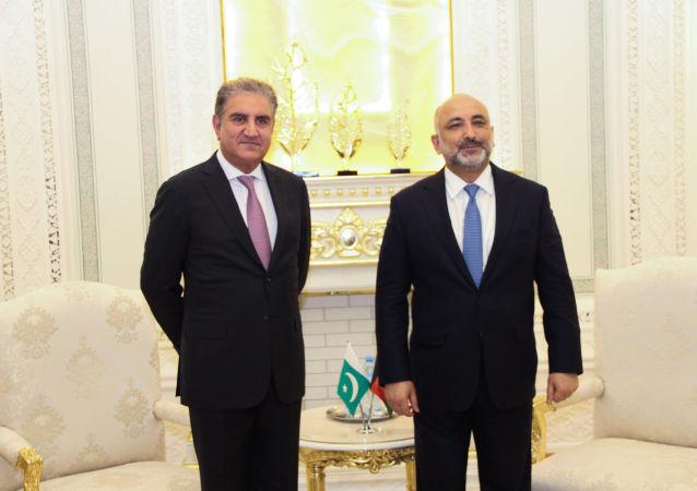 دیدار حنیف اتمر با وزیر امور خارجۀ پاکستان