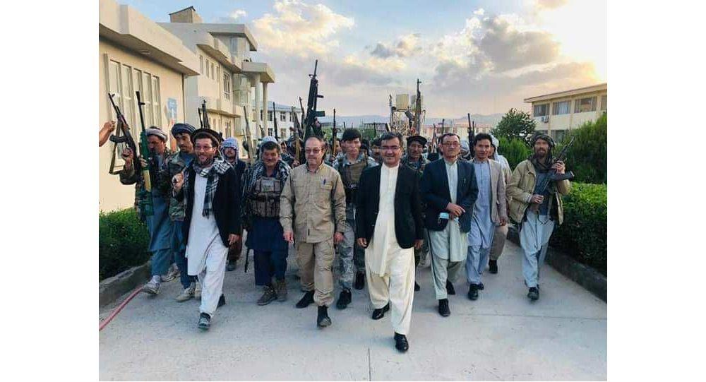 دیدار فرماندهان جهادی با والی پیشین بامیان به منظور پشتیبانی از نیروهای امنیتی