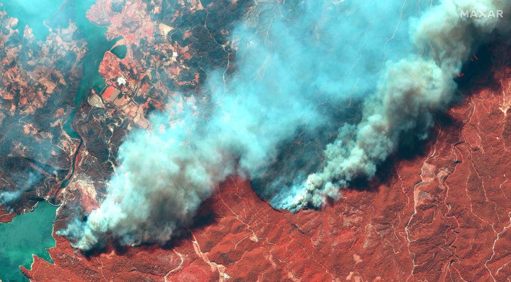 بهترین عکس های این هفته اسپوتنیک/ آتش سوزی در ترکیه