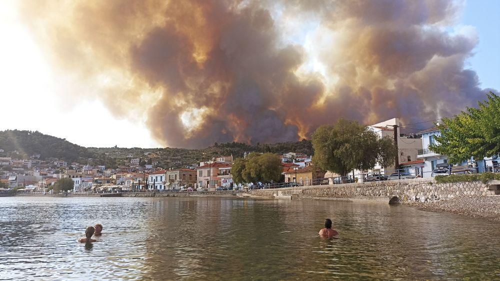 بهترین عکس های این هفته اسپوتنیک/آتش سوزی در یونان