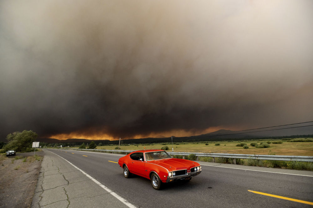 بهترین عکس های این هفته اسپوتنیک/آتش سوزی در کالیفرنیا