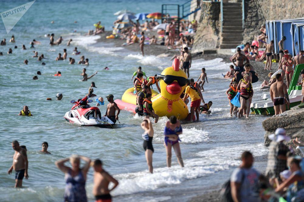 بهترین عکس های این هفته اسپوتنیک/ساحل کریمه
