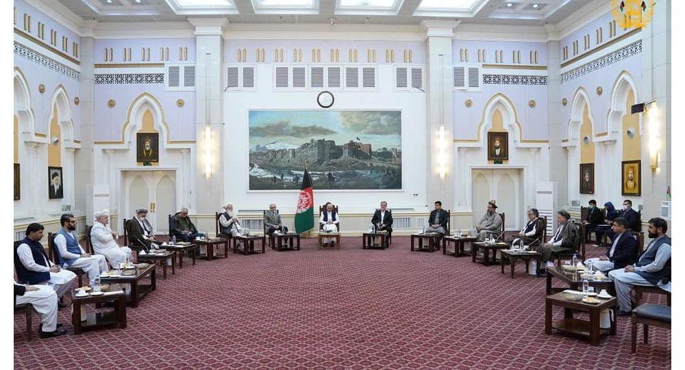 طالبان خواهان همکاری رئیسجمهور غنی شدند