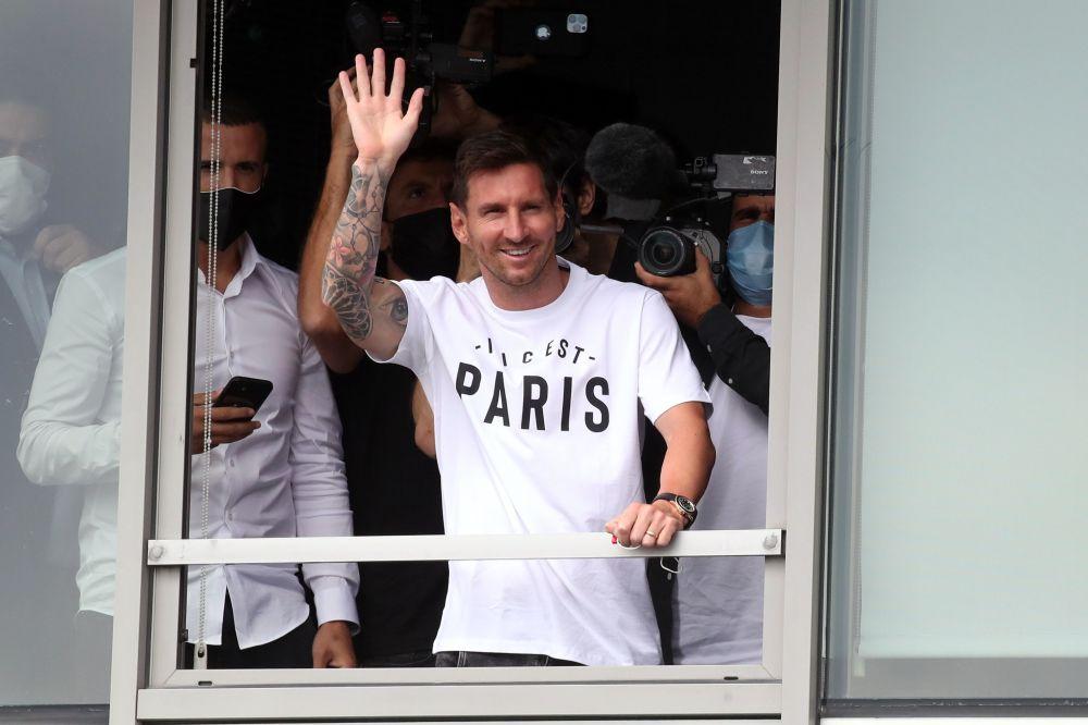 ستاره دنیای فوتبال، برای عقد قرارداد با تیم پاریس، به فرانسه رسید.
