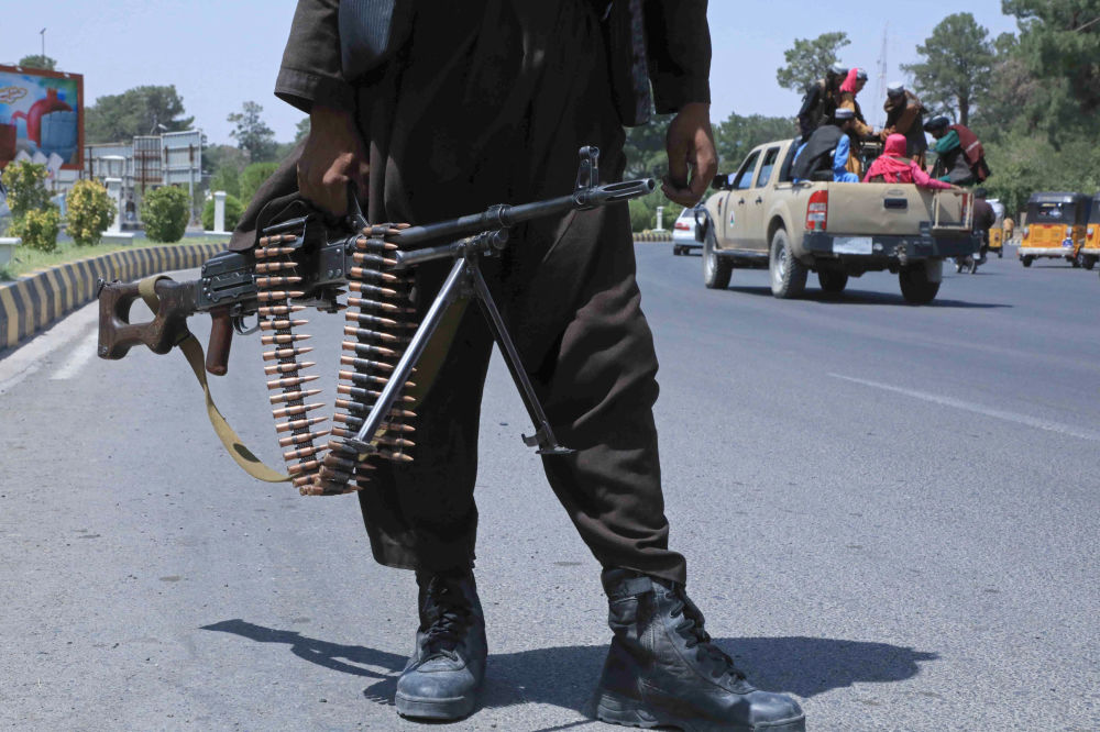 طالبان در جاده های کابل.