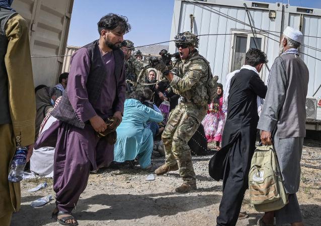 آمریکا: عامل انفجار فرودگاه  کابل چند روز قبل از حادثه از زندان بگرام آزاد شده بود