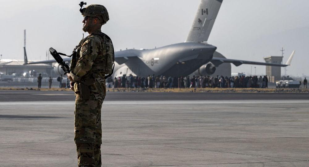 28 شهروند امریکایی افغانستان را ترک کردند